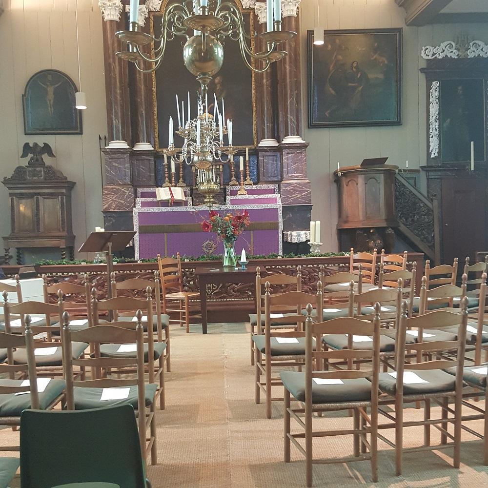 Burgerlijk huwelijk in een kerk