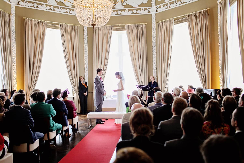 Babs bij huwelijk Siebe en Peggy in Paviljoen de Witte Scheveningen