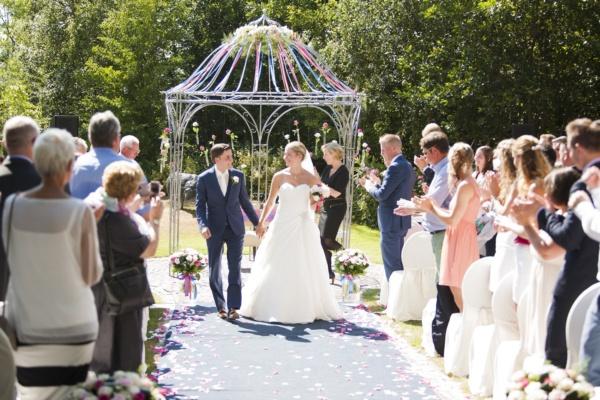 Trouwambtenaar bij huwelijk Larissa & Ricardo in Tespelduyn Noordwijk - Juli 2015