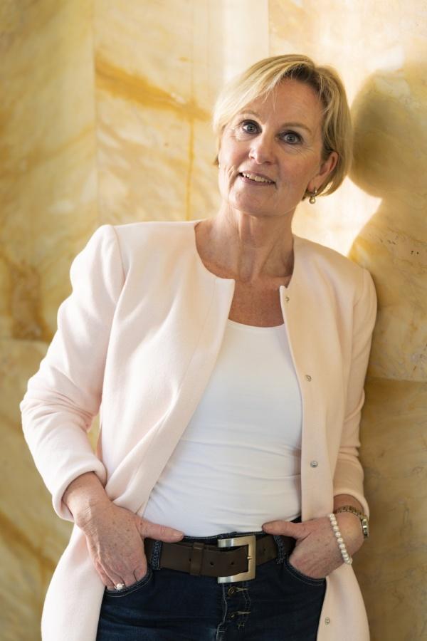 Marie France Aarink Nijssen, Buitengewoon Ambtenaar Burgelijke Stand Gemeente Leiden