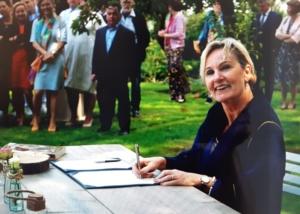 Marriage in private garden, Steenbergen