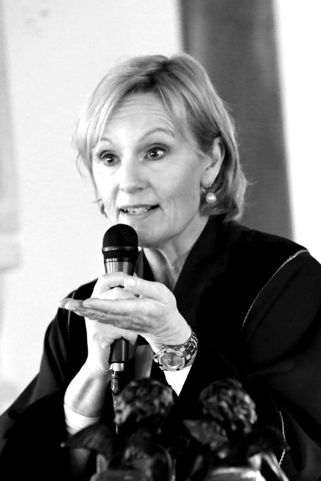 Trouwambtenaar Marie-France Aarnink